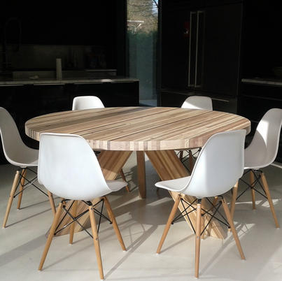 Table HIPOLLYTE
