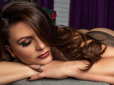 7 Reasons why you NEED a boudoir session!