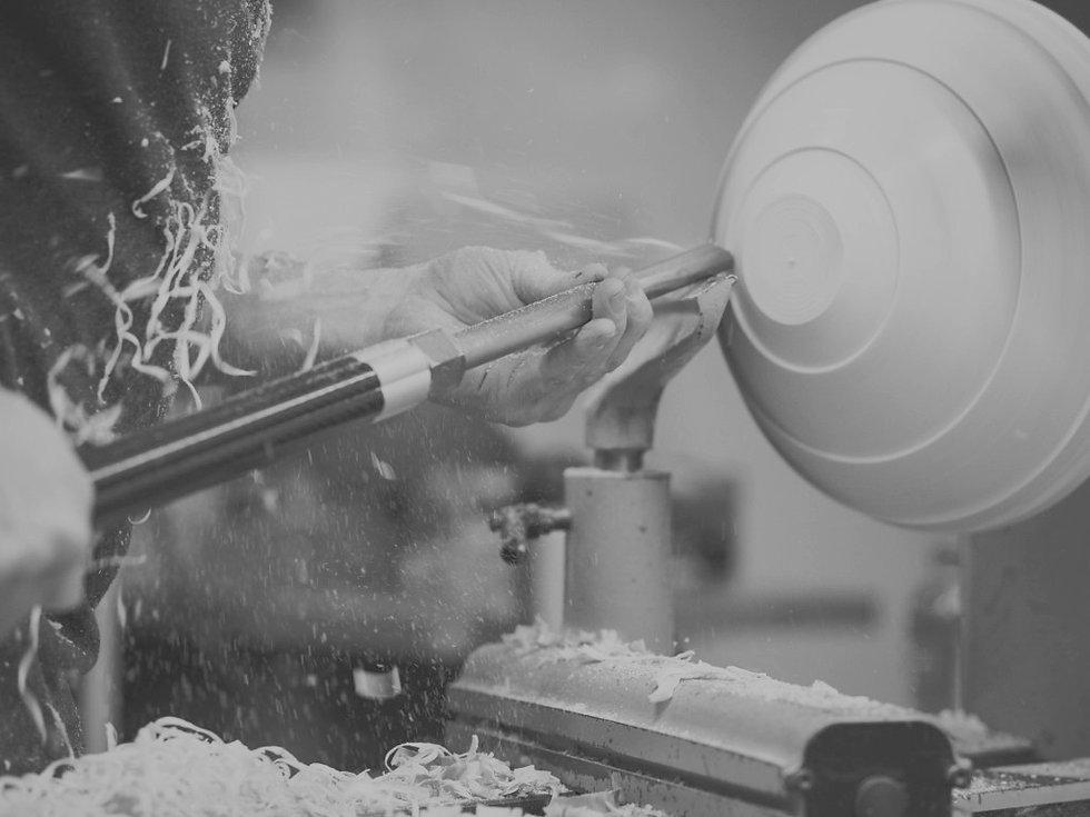 best-wood-lathe-for-turning-bowls-web_edited_edited.jpg