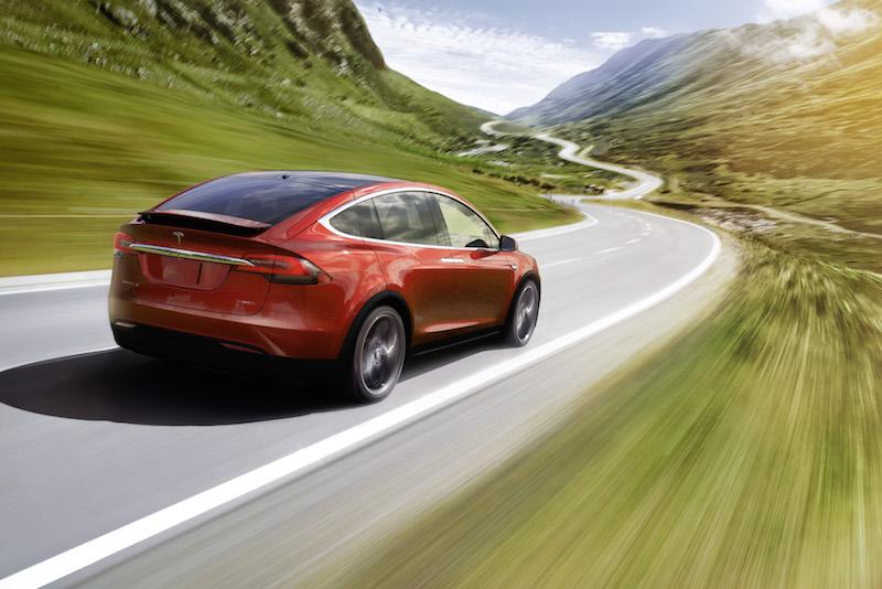 Tesla on road vs space 800x534