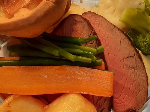 ROAST LOCAL RUMP OF BEEF, HOMEMADE YORKSHIRE PUDDING, VEGETABLES & RO