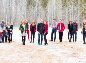Snowy 15 Person Family Session {Stevens Family}