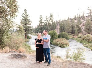 Sunrise Maternity Session at Tumalo State Park {Aly & Patrick}