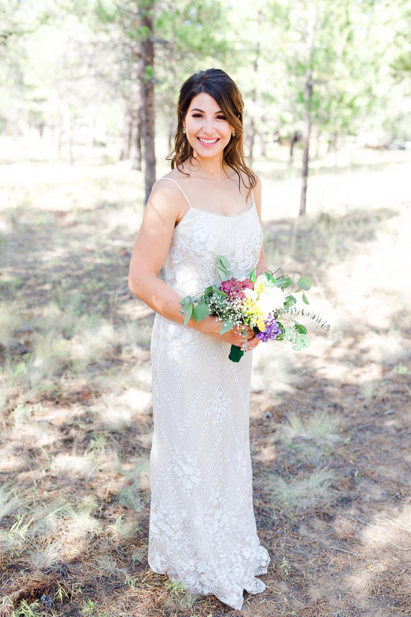 Sunriver Oregon bride holding bouquet