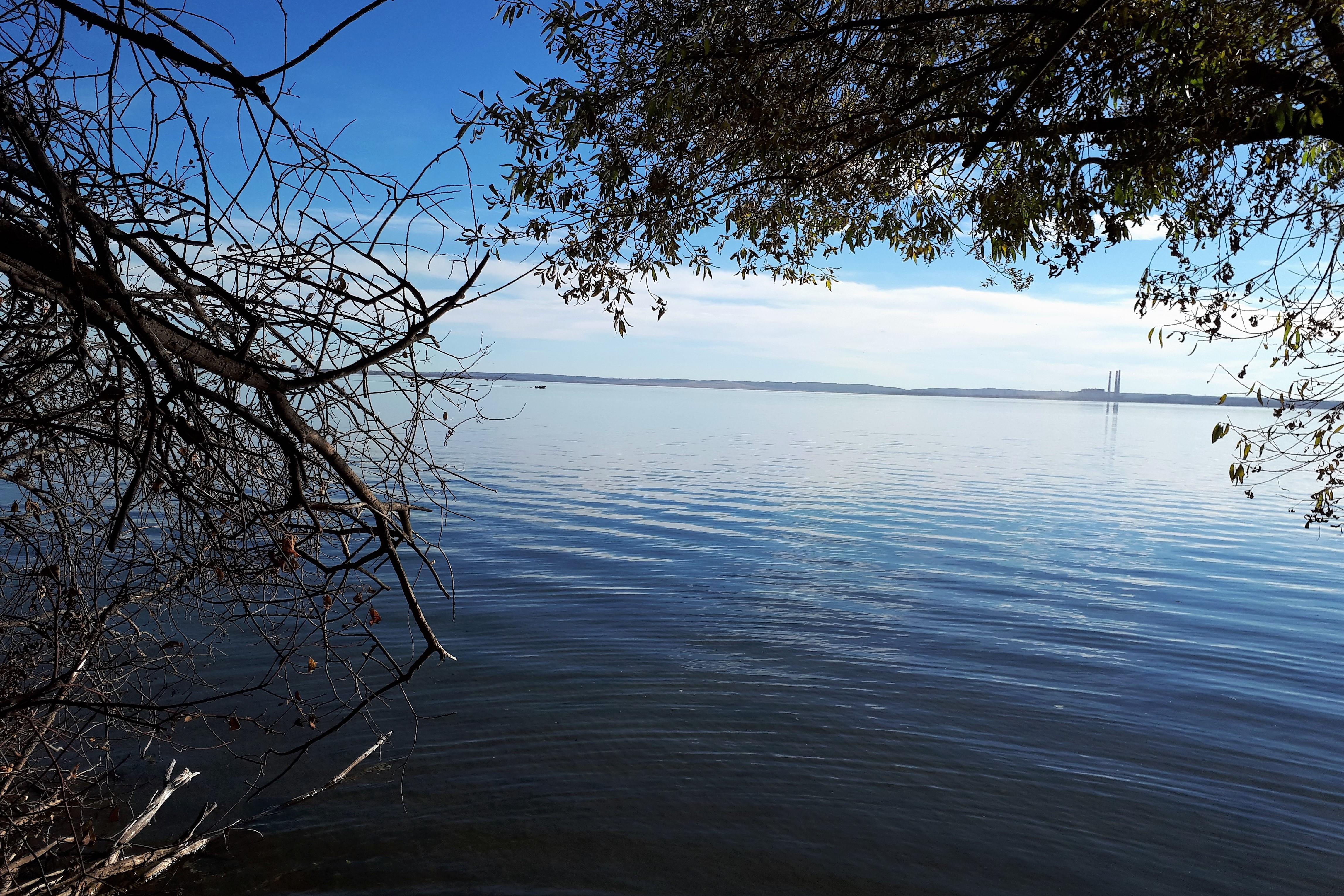 Photo of the lake.jpg