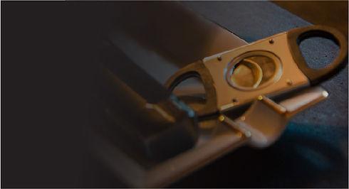 cigars cutter on ashtray.jpg