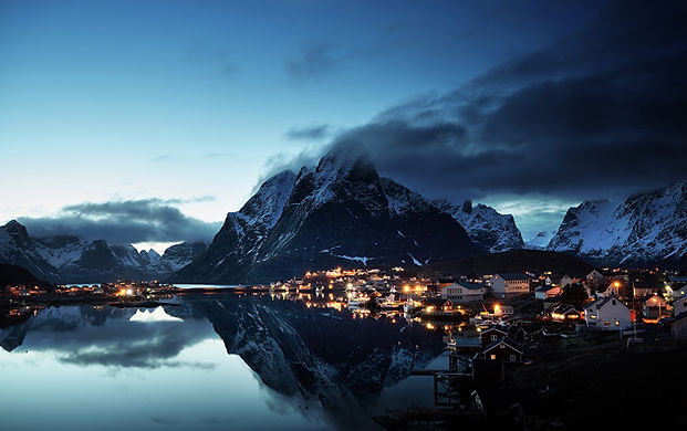 Norway_Lofoten_Mountains_Houses_Evening_