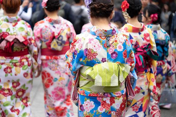 young-girl-wearing-japanese-kimono-stand