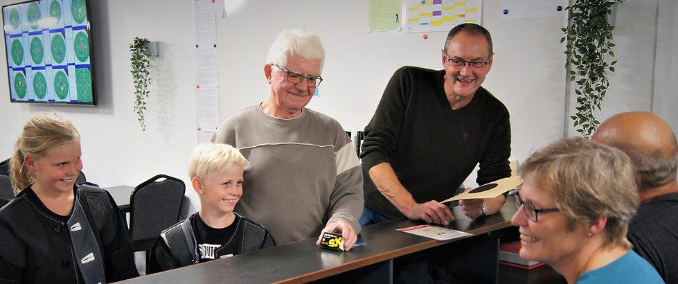 Glade medlemmer ved disken i Skyttekreds Bjerringbro