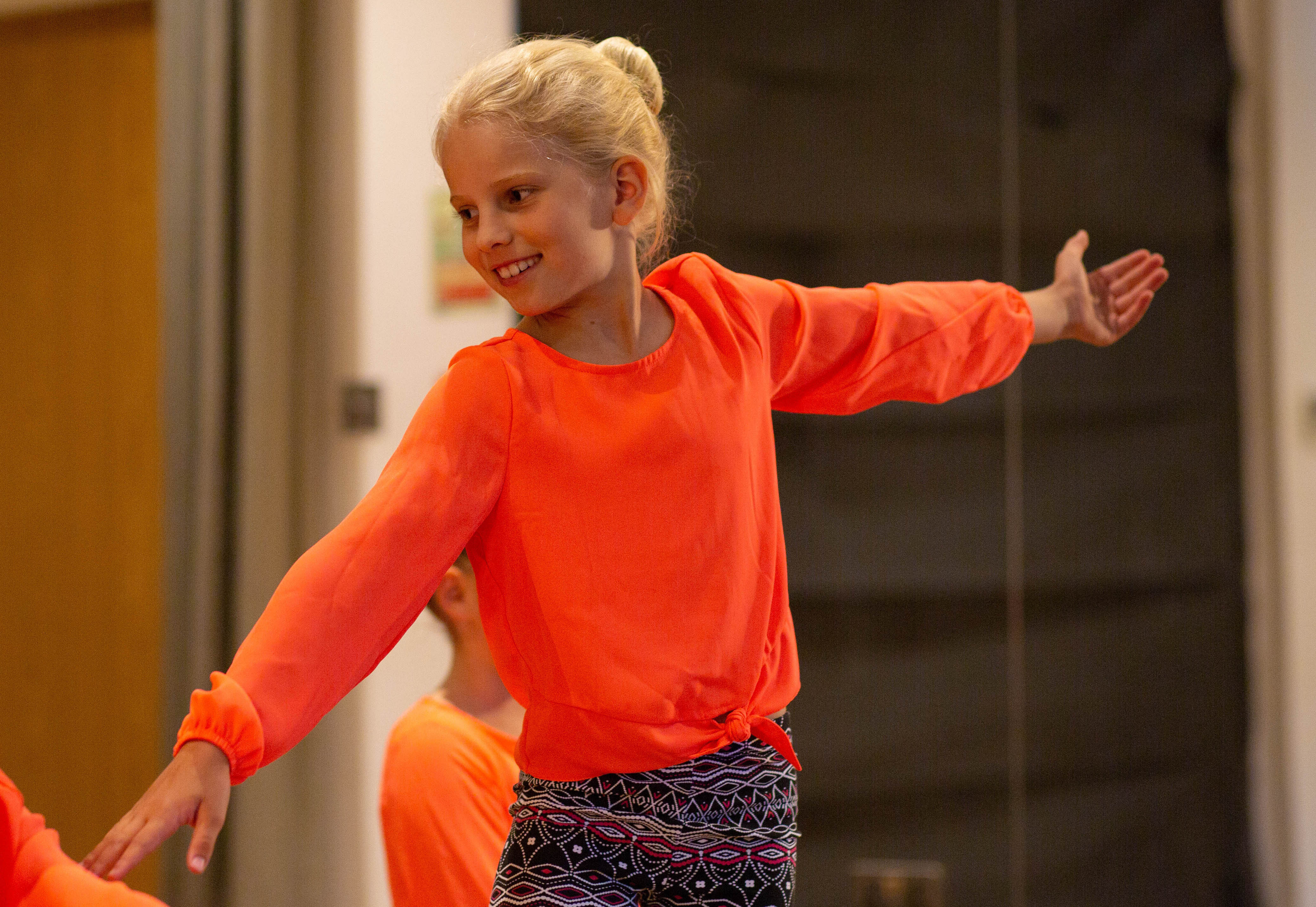 Creative Contemporary Dance (Ages 8-12)