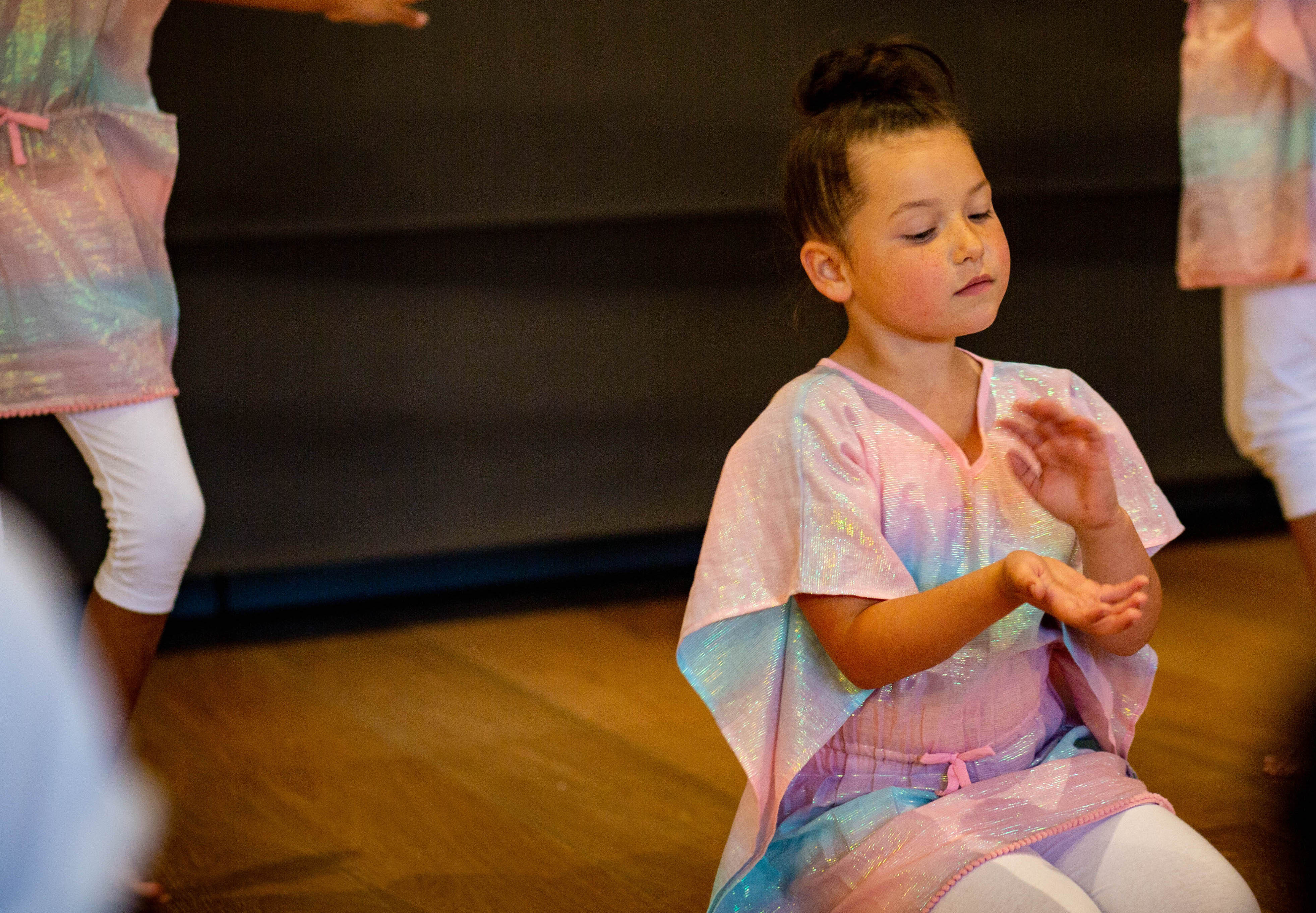Creative Contemporary Dance (Ages 6-7)