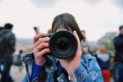 snapping-photos_t20_wao7Em.jpg