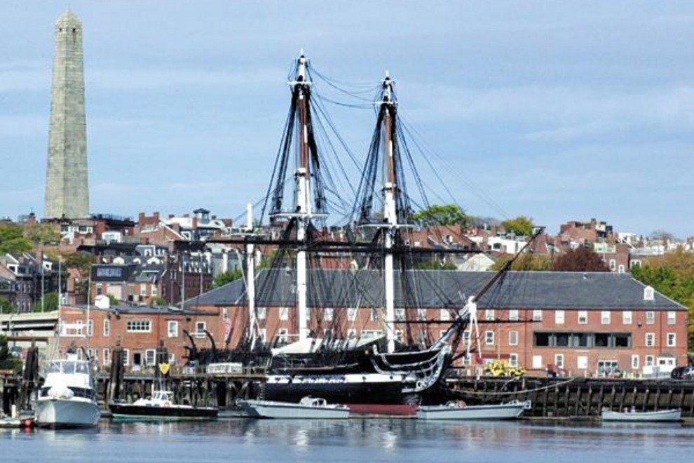 p-uss-constitution-boston-ma-usa-attractions-along-the-freedom-trail-historic-sites-9907_54_990x660_