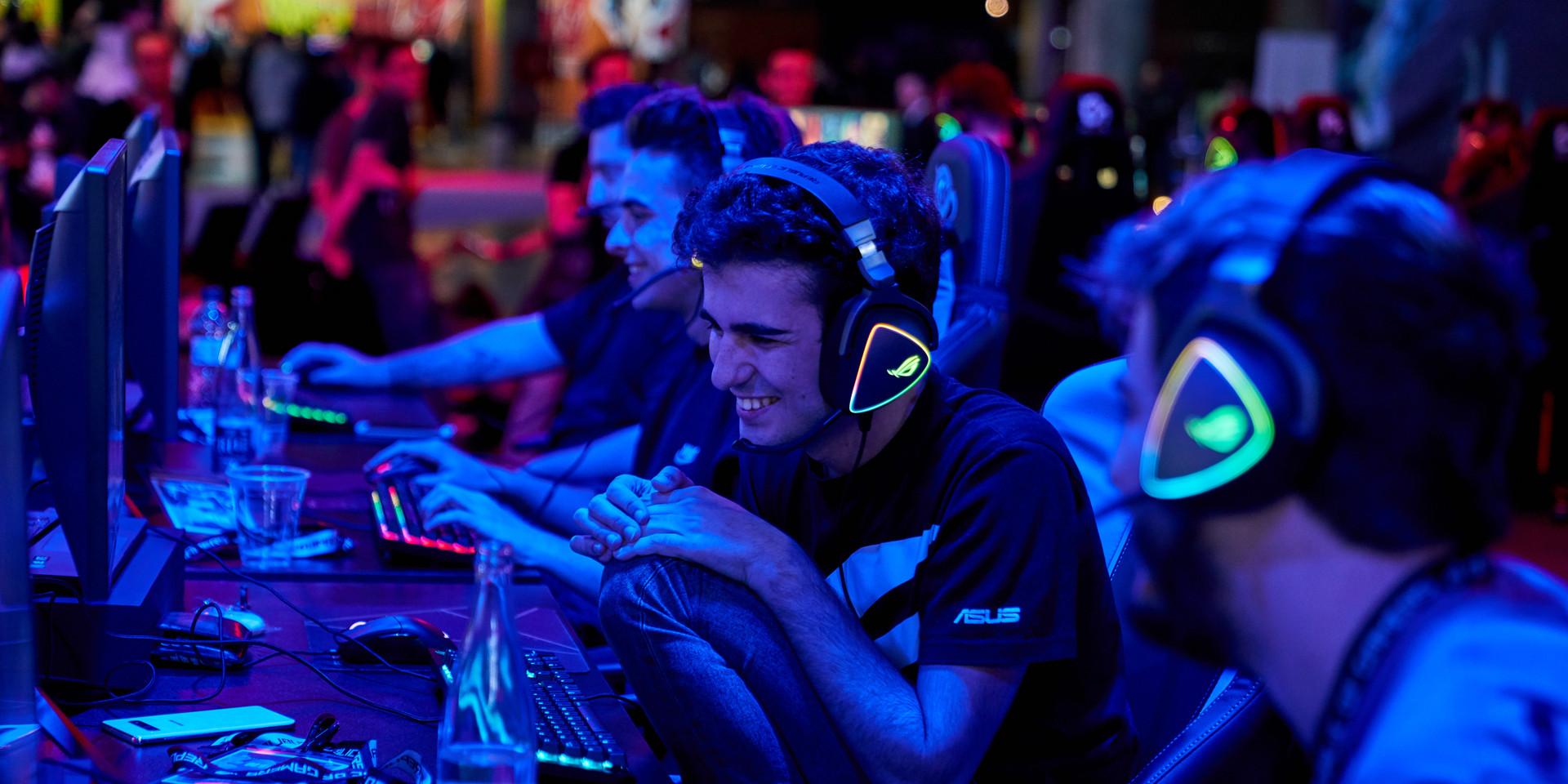 FOTOGRAFÍA  Y VIDEO EVENTO NICEONEBARCELONA N1B REPUBLIC OF GAMERS GAMING EVENT_22