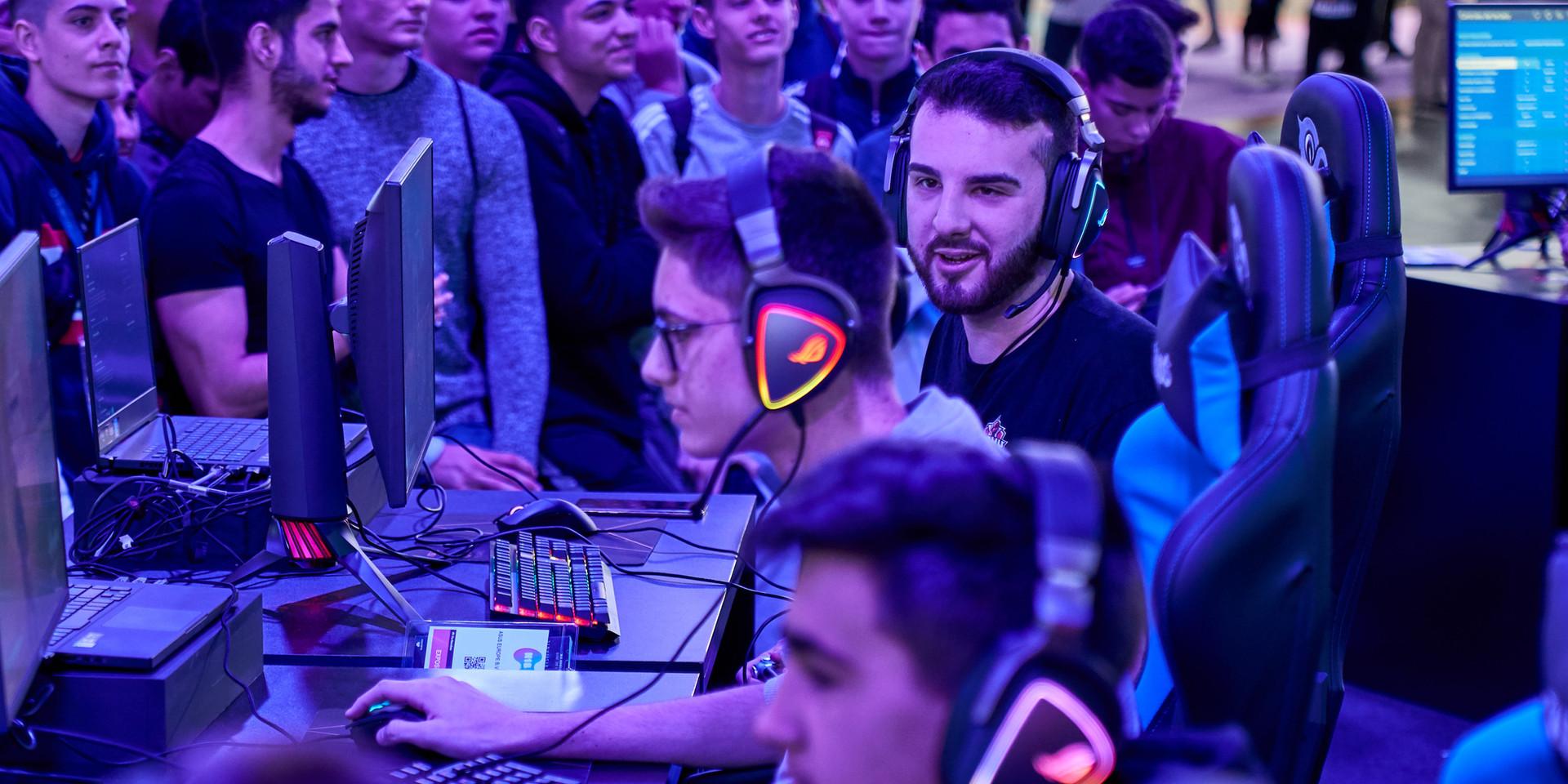 FOTOGRAFÍA  Y VIDEO EVENTO NICEONEBARCELONA N1B REPUBLIC OF GAMERS GAMING EVENT_13