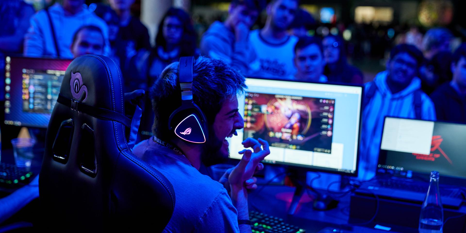 FOTOGRAFÍA  Y VIDEO EVENTO NICEONEBARCELONA N1B REPUBLIC OF GAMERS GAMING EVENT_19