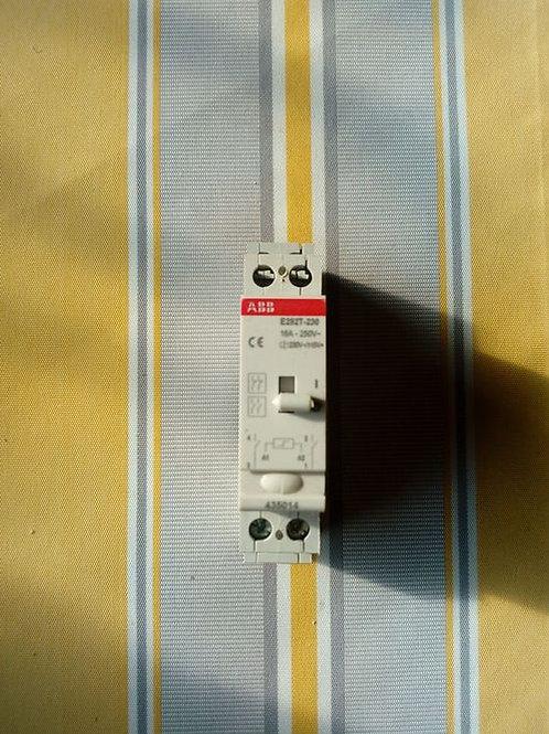Télérupteur ABB E 2521T