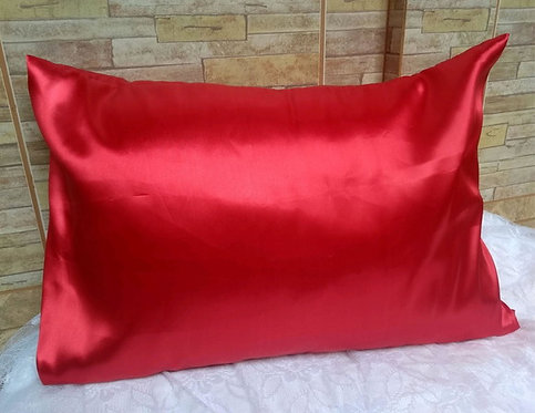Fronha de cetim anti-frizz vermelha