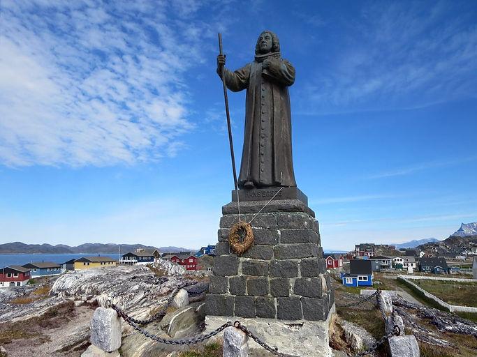 Statue_of_Hans_Egede,_Nuuk.jpg