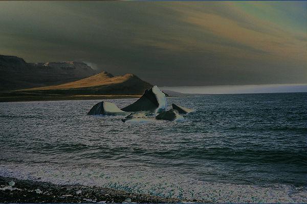 Iceberg_arctic copy.jpg