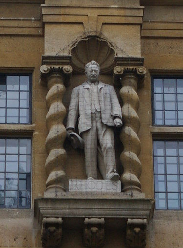 Statue_of_Cecil_Rhodes,_High_Street_fron