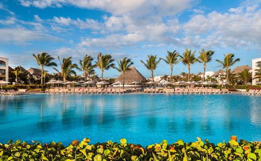 Piscina Principal do Hard Rock Hotel Punta Cana
