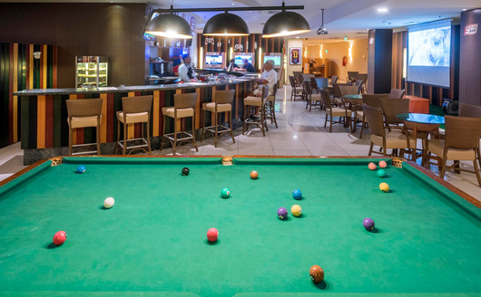 Sala de jogos e Bar