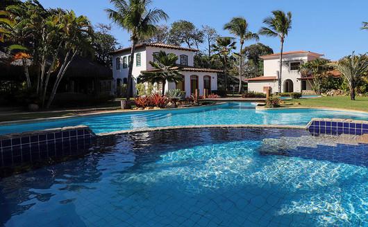Piscina Principal do Vila Angatu Eco Resort