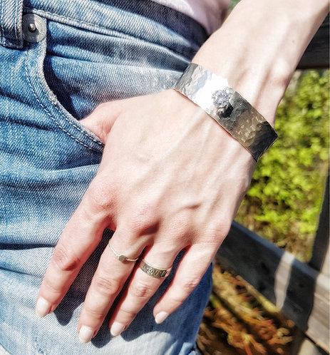 Armband Lilja