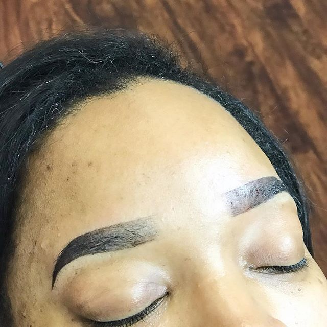 Ombré/Powdered brows