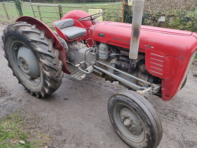Massey Ferguson 35  (4 cylinder)
