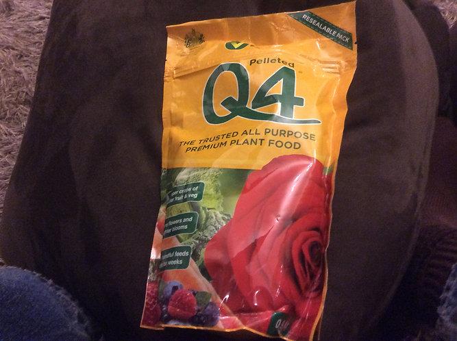 Vitax Q4 all purpose premium plant food