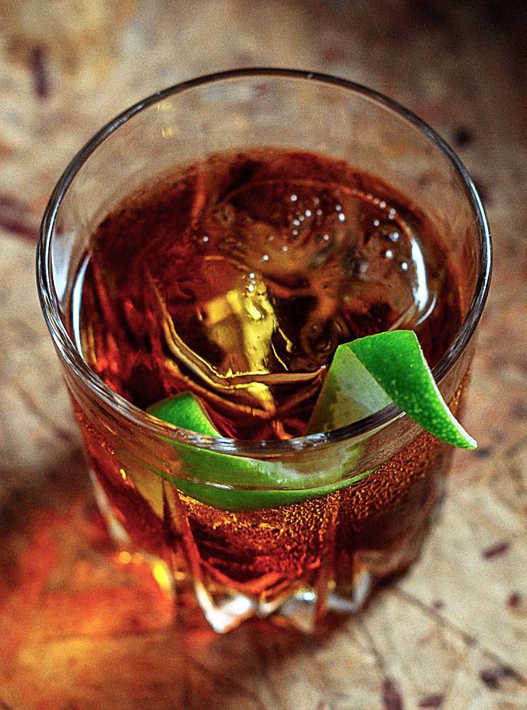 rabo de galo coquetel coquetéis com cachaça drink coquetelaria receita