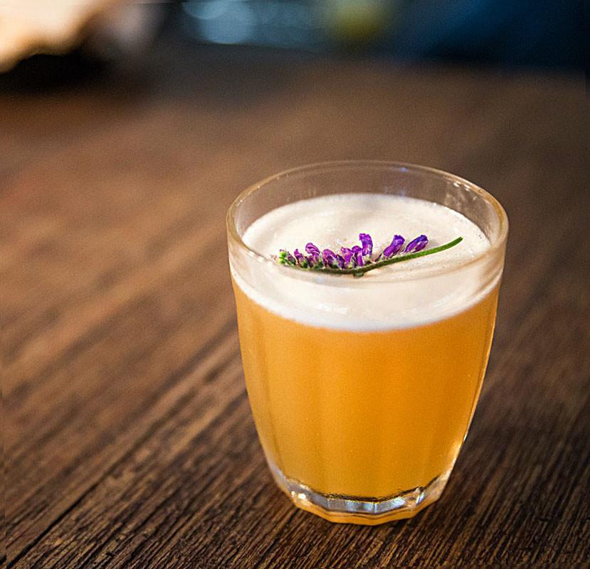 coquetel drink com cachaça macunaíma coquetelaria receita
