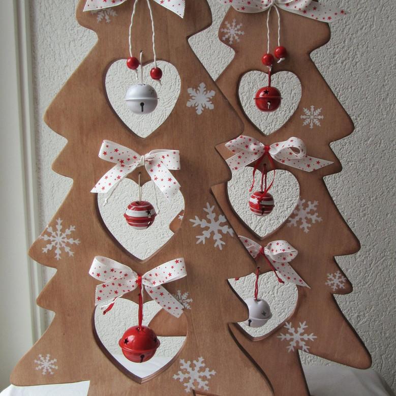 Sapin de Noël décos rouges
