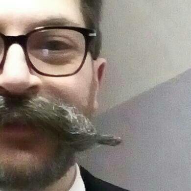...con i baffi