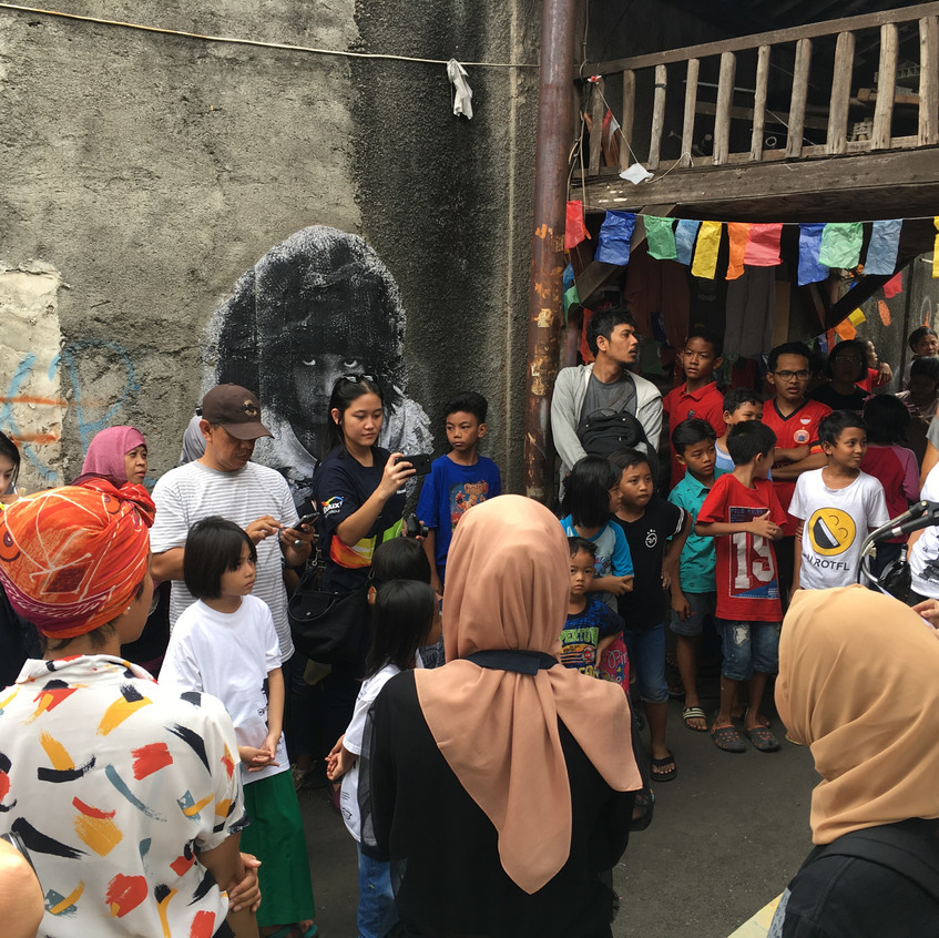 Women on wall event