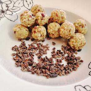 Nasch-Energiekugeln und Kakao Nibs-natürlich süß 😋 #vollwertig pfanzlich #rohvegan#gesund naschen