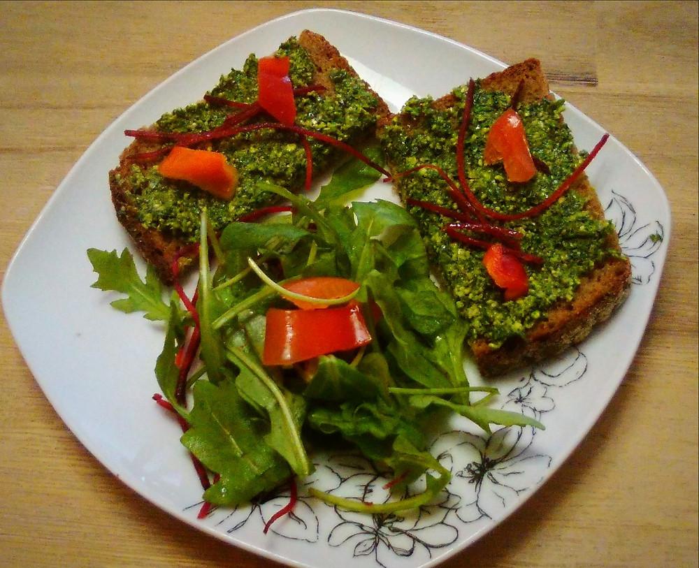 Bärlauch-Pesto-Brot