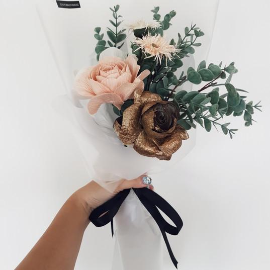 Cafe & Gold Rose Bouquet