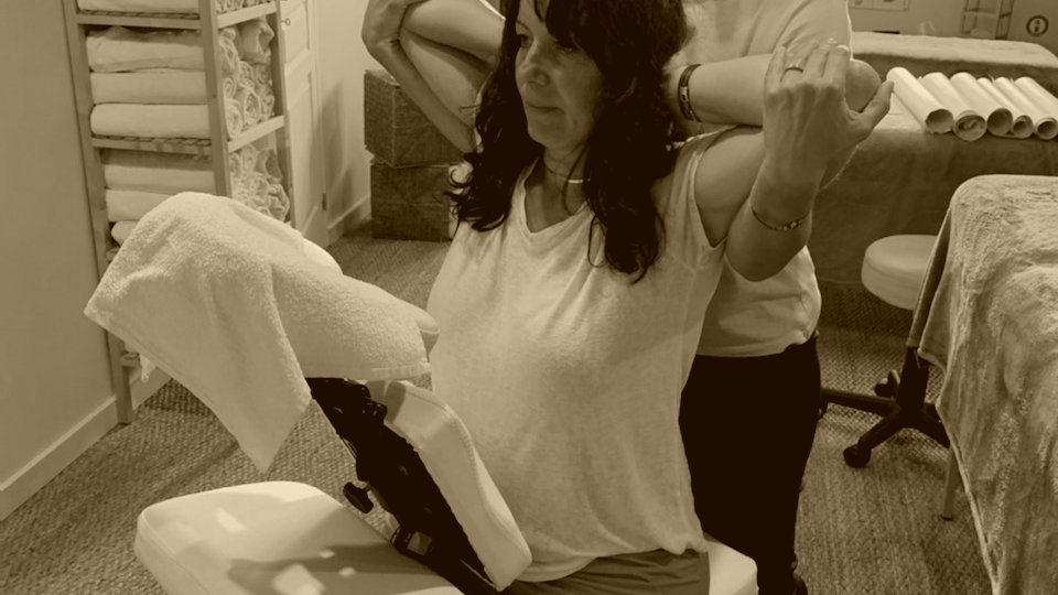 Massage* Amma assis