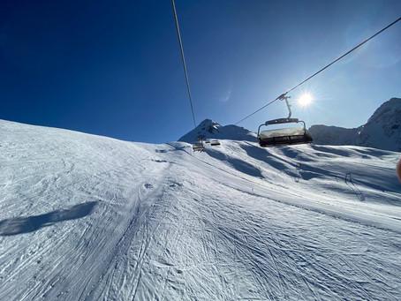 Schnee, Sonne, Spaß & Spiele