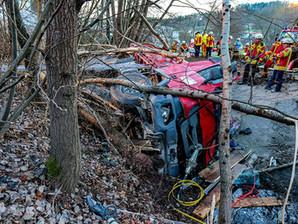 Schwerer Verkehrsunfall mit technischer Rettung