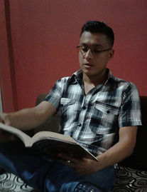 Diego Maenza, 2017 (Lectura en la residencia Maenza, Catarama-Ecuador)