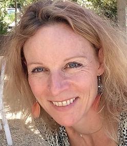 Isabelle Compere Prof de Yoga et Postural Ball