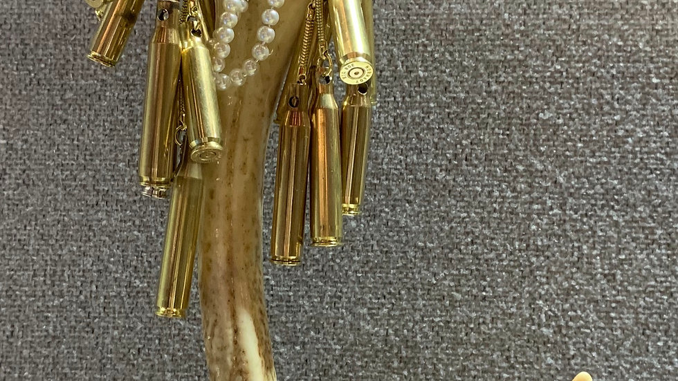 Single antler jewellery stand