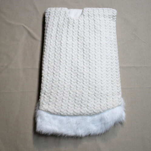 """56"""" Off-White Knit with Fur Border Tree Skirt"""
