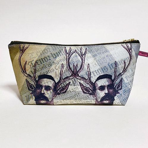 双子の鹿男ヴィクトールの肖像