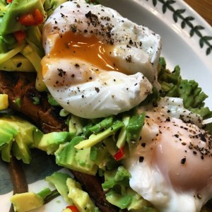 poached eggs on avocado brunch
