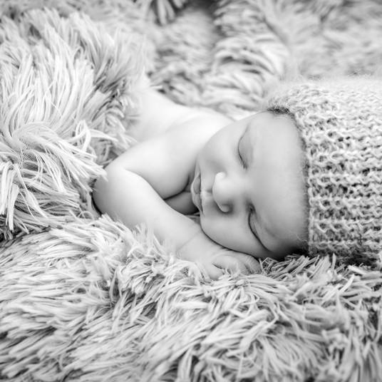 Baby in Kuscheldecke